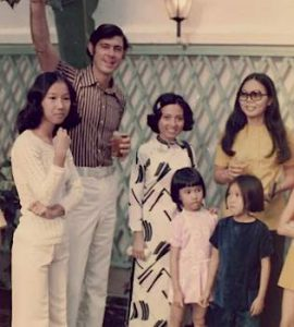 60s_banker_with_Vietnamese_staff_familyphoto